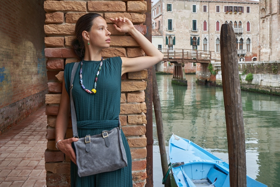 Elegant Leather Bag Shop by Venezia Autentica - Shop by Venezia Autentica - Elegant leather bag for women, entirely designed and handmade in Venice, Italy. Its soft leather, design, and striking elegance make this bag a true must-have